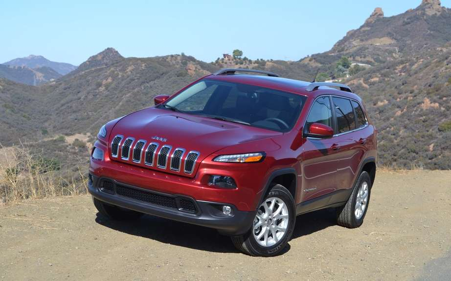 Jeep Cherokee 2014 en route to dealers