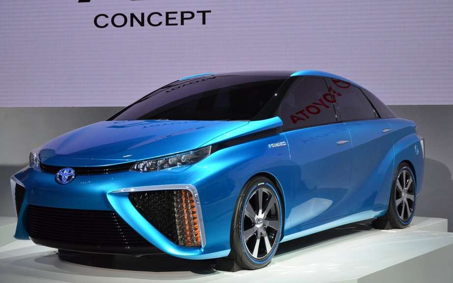 Toyota hybrid fuel cell of next year
