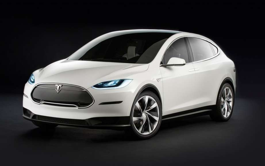Tesla Model X: 6000 copies already reserved