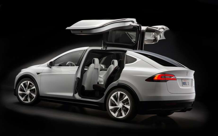 Tesla Model X: 6000 copies already reserved picture #6