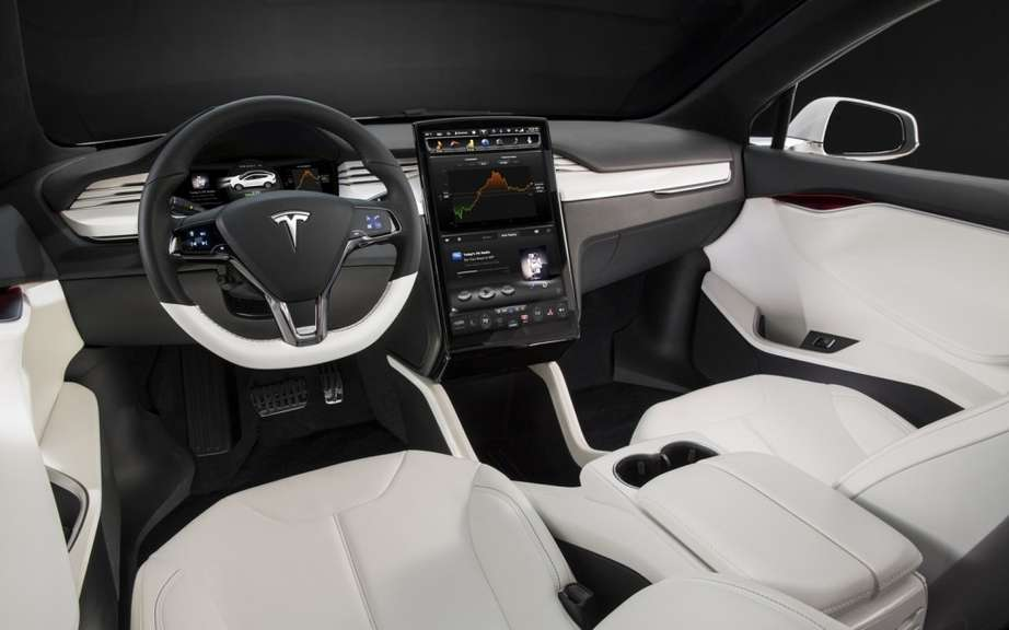 Tesla Model X: 6000 copies already reserved picture #7
