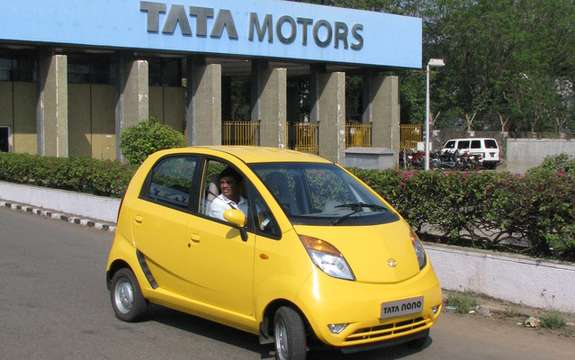Tata Nano to police in New Delhi picture #3
