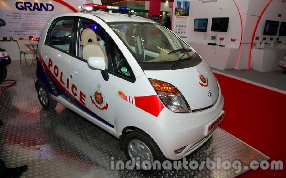 Tata Nano to police in New Delhi picture #5
