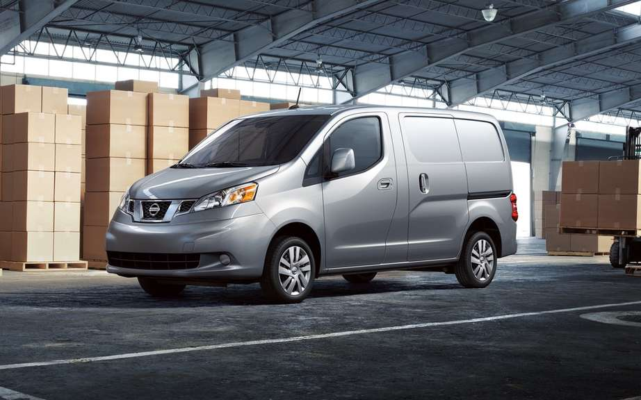 Nissan NV200: nearly 200,000 units sold picture #2