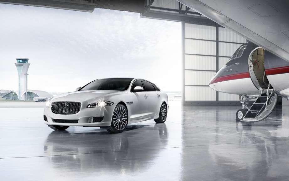 Jaguar will temporarily suspend production of its XJ sedan picture #1