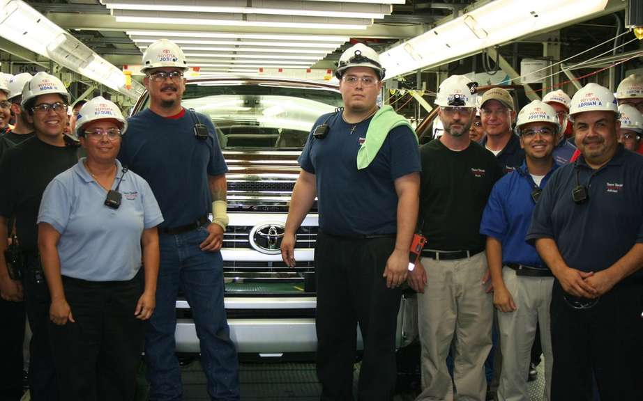 A million ... and it's not over! Toyota produced its millionth truck Texas picture #6