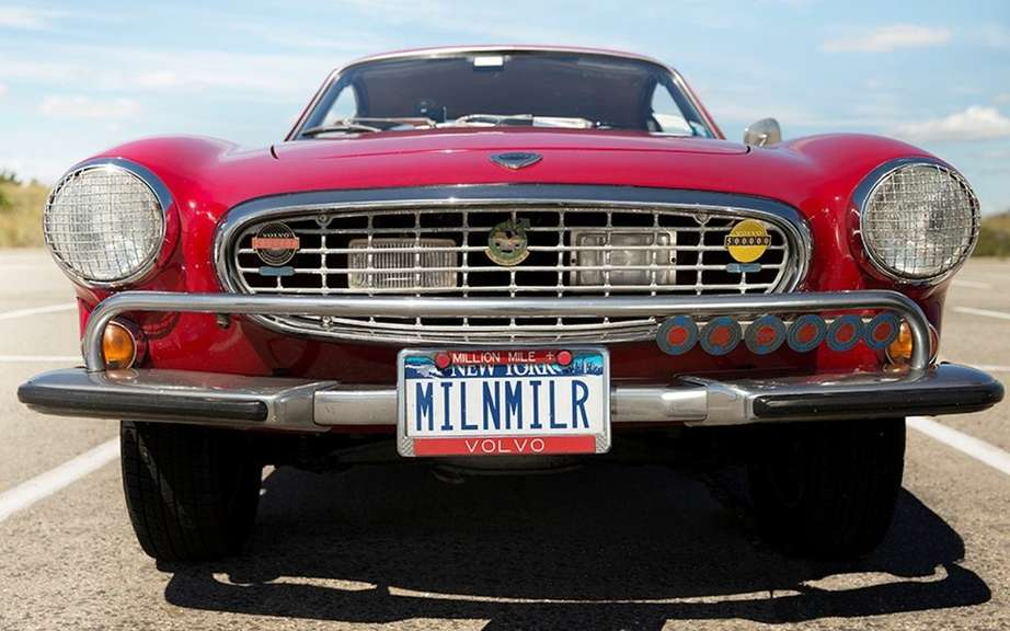 Volvo P1800S 1966 with 3 million miles on the clock picture #3
