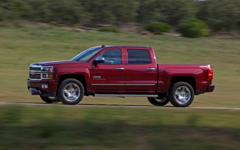 Chevrolet Silverado and GMC Sierra diesel engine picture #3