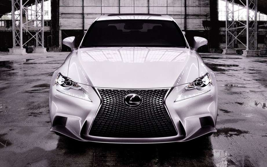 "Lexus Canada launches first website on the ""reactive design"" picture #4"