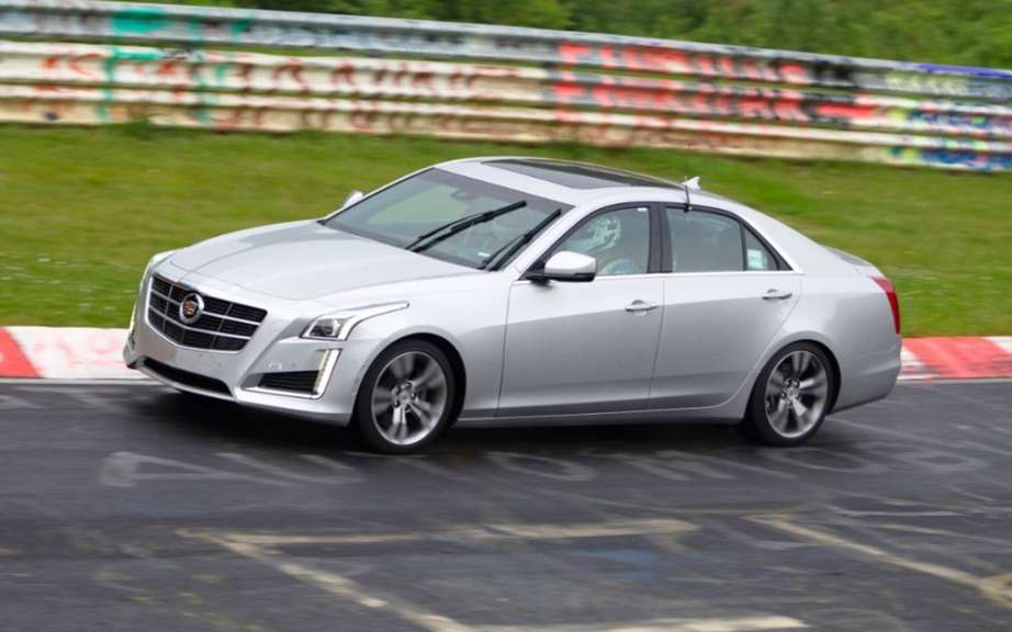 Cadillac CTS rolling on the difficult Nurburgring picture #4
