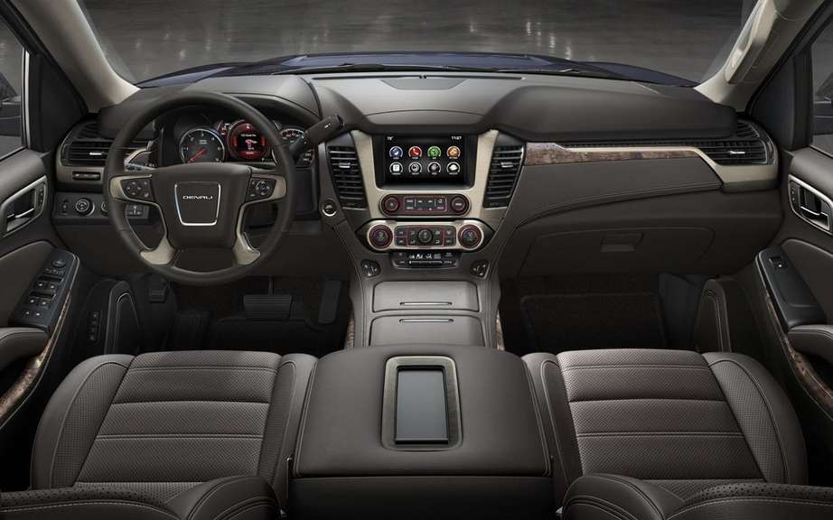 GM presents its large SUV 2015 picture #12