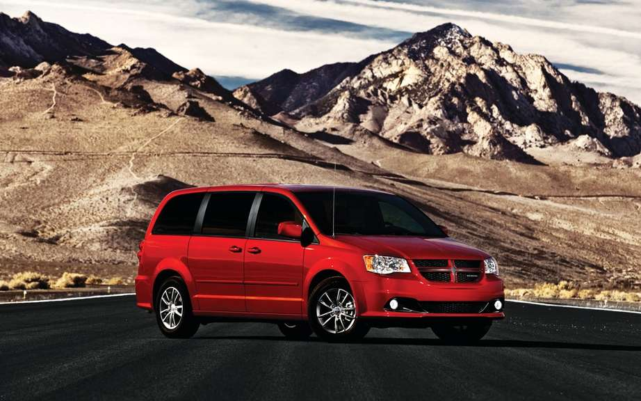 Chrysler celebrated the 30th anniversary of its popular minivans picture #3