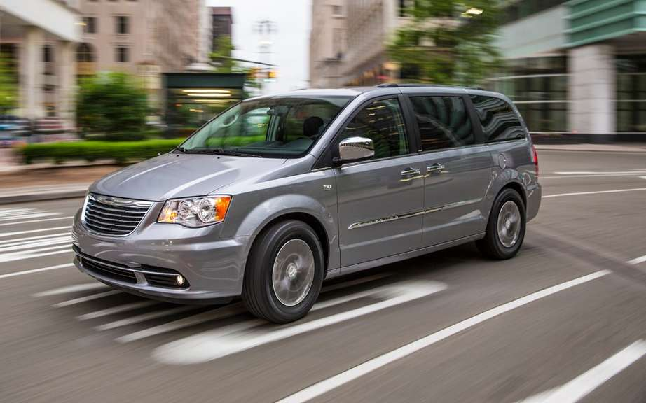 Chrysler celebrated the 30th anniversary of its popular minivans picture #4