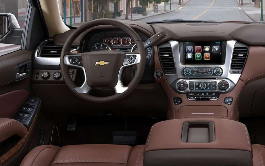 GM presents its large SUV 2015 picture #16