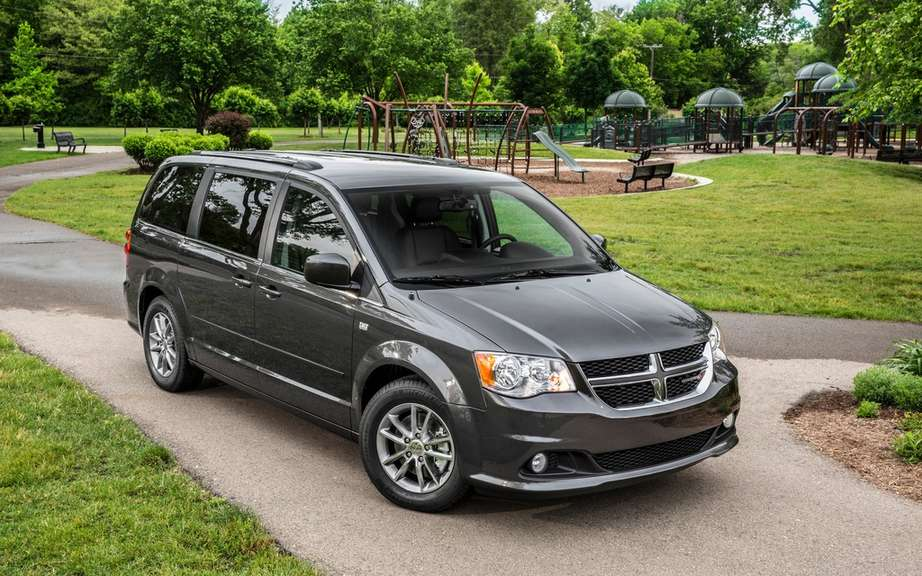 Chrysler celebrated the 30th anniversary of its popular minivans picture #8