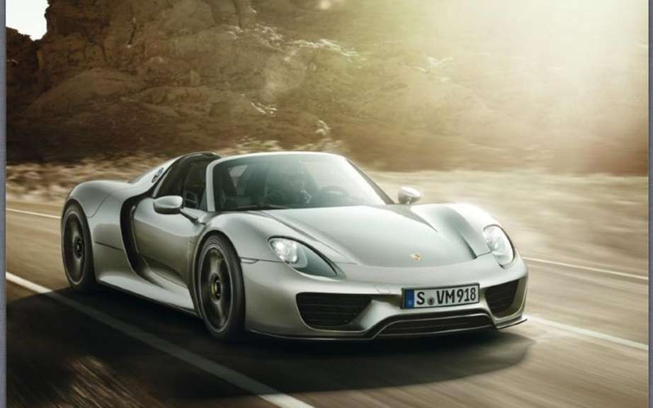 Porsche 984 based on the 918 Spyder