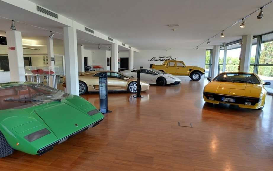 Visit the museum Lamborghini seated in your chair!