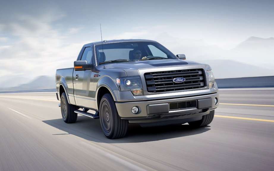 Ford F-150 STX SuperCrew 2014 most generous picture #3