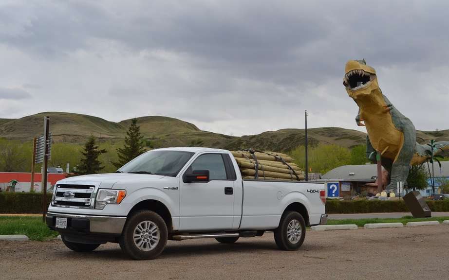 Ford F-150 STX SuperCrew 2014 most generous picture #4