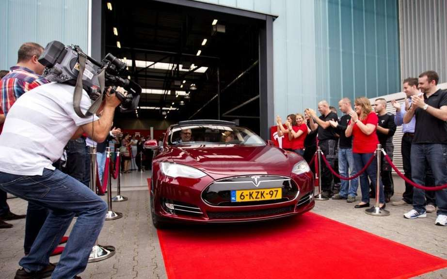 Tesla Motors opens assembly plant in the Netherlands picture #4