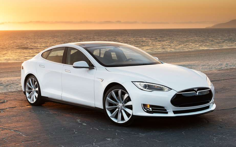 The Tesla Model S gets five-star safety rating picture #3