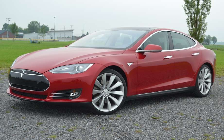 The Tesla Model S gets five-star safety rating picture #4