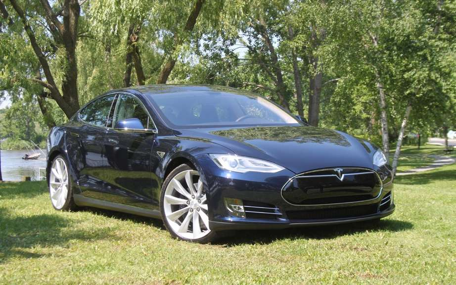 The Tesla Model S gets five-star safety rating picture #5