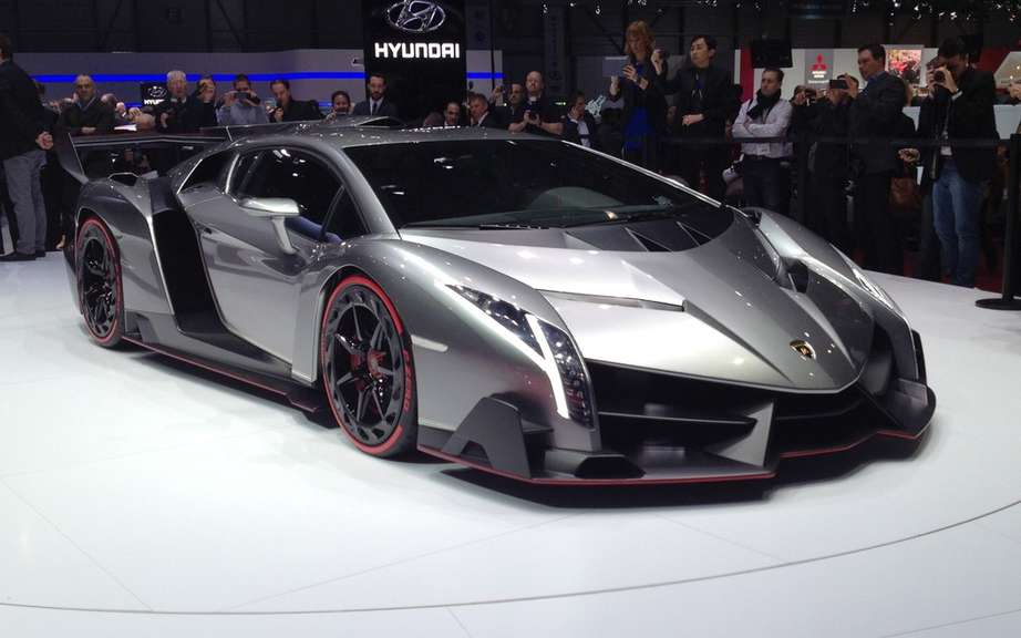 Veneno Lamborghini Roadster: 6.5-liter V12 and 750 horsepower picture #3