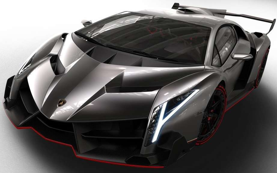 Veneno Lamborghini Roadster: 6.5-liter V12 and 750 horsepower picture #4