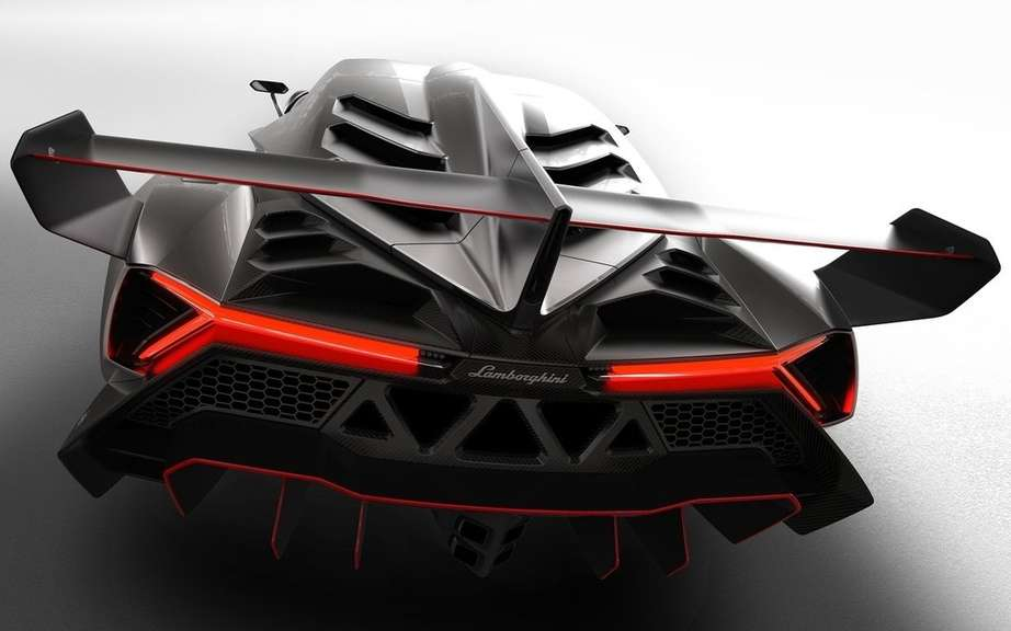 Veneno Lamborghini Roadster: 6.5-liter V12 and 750 horsepower picture #5