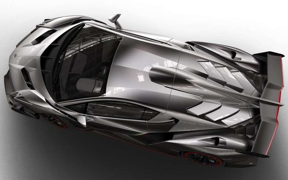 Veneno Lamborghini Roadster: 6.5-liter V12 and 750 horsepower picture #6