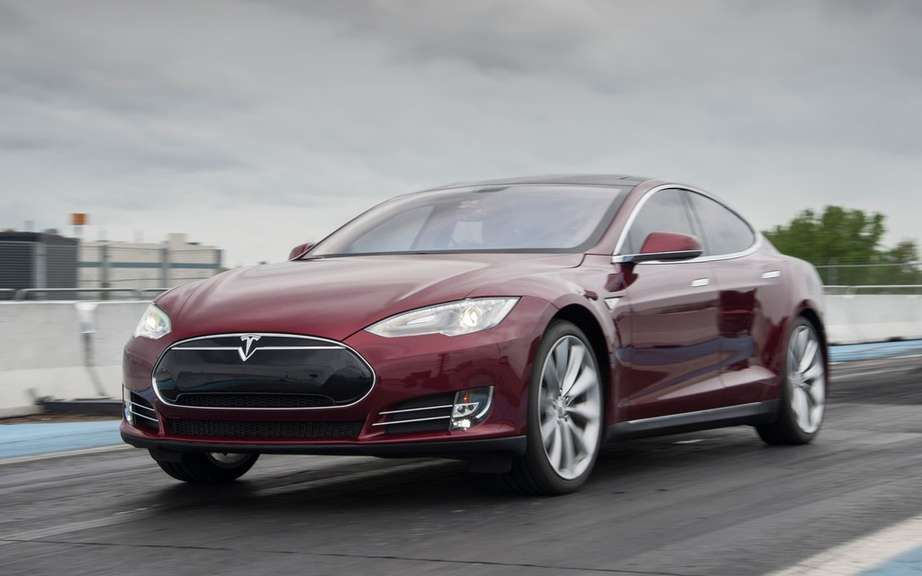 Car of the Year 2014 Consumer Reports: palm Tesla S picture #3