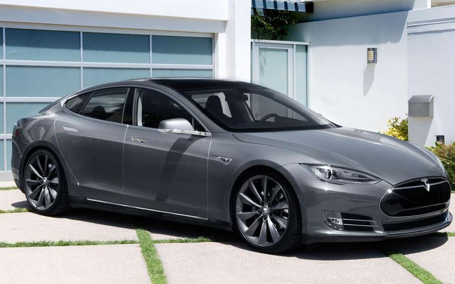 Car of the Year 2014 Consumer Reports: palm Tesla S picture #5