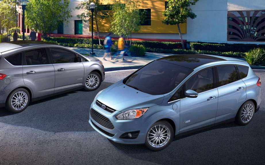 Improves the Ford C-MAX Hybrid in 2014