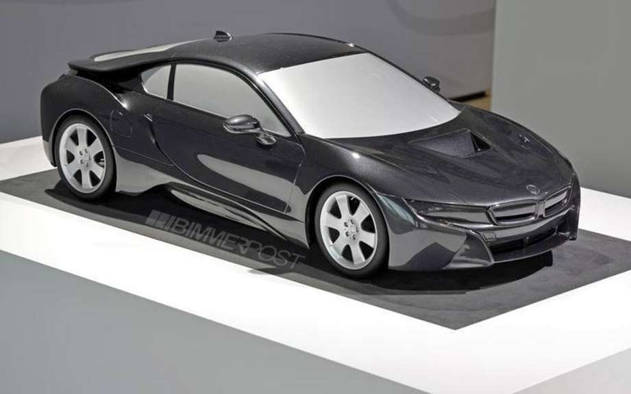 BMW i8 presented in miniature