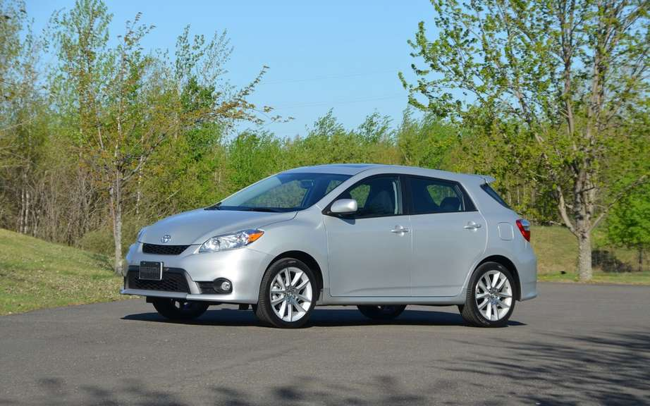 Toyota Matrix 2014 still available in Canada