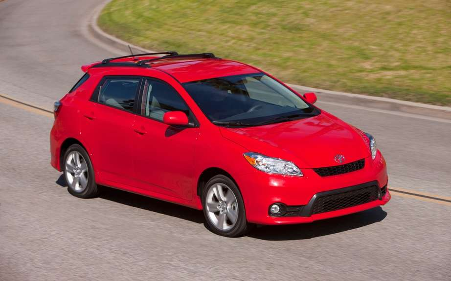 Toyota Matrix 2014 still available in Canada picture #3