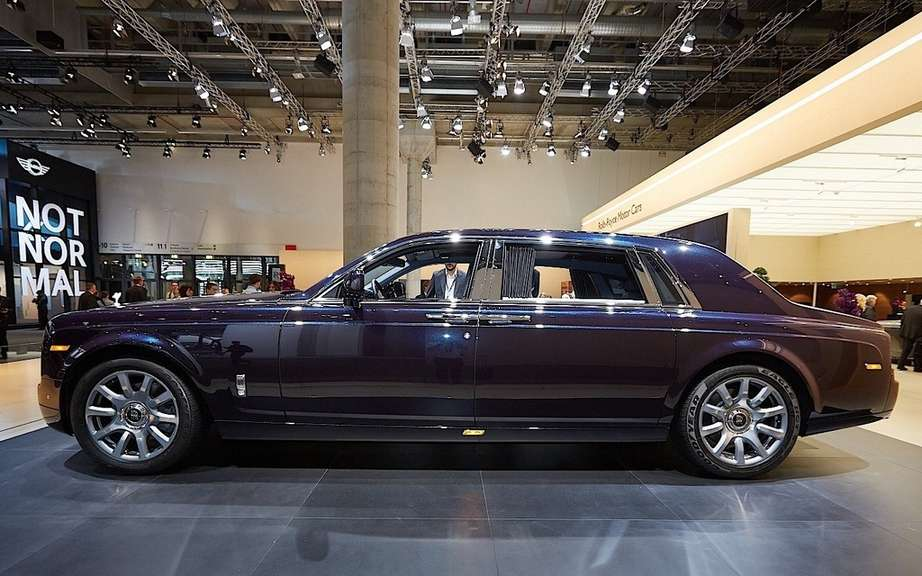 Rolls-Royce Phantom Drophead Coupe and Waterspeed Collection picture #2