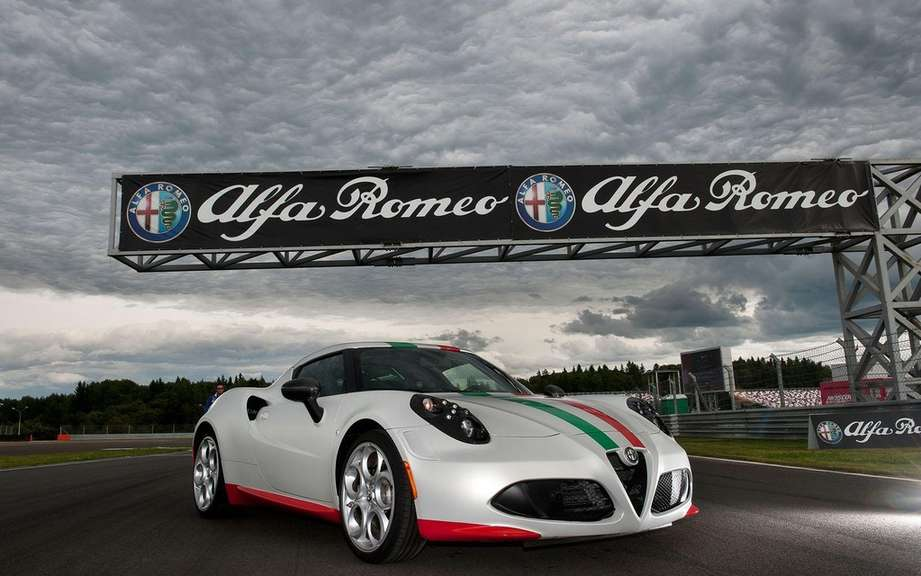 Alfa Romeo 4C converted to car safety picture #4