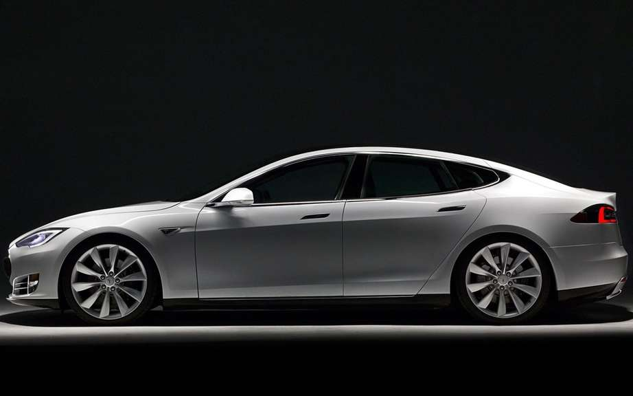Car of the Year 2014 Consumer Reports: palm Tesla S picture #6