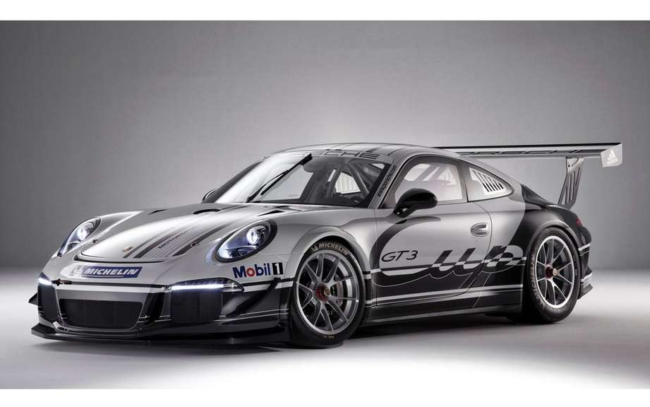 5M Porsche 911 Fans: DEDICATED his followers on Facebook