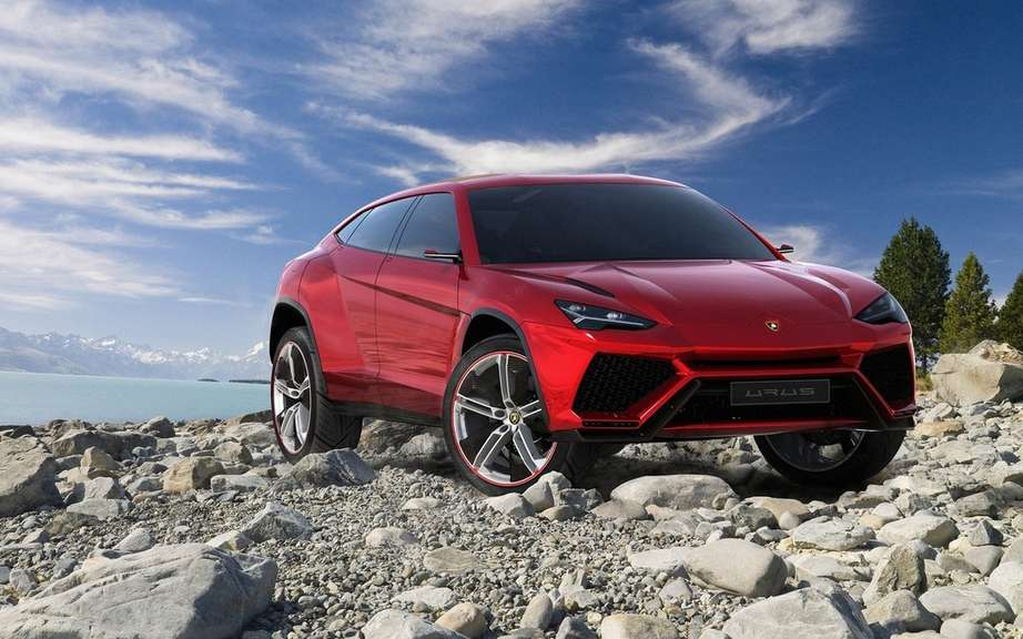 The Lamborghini Urus is built in Slovakia picture #4
