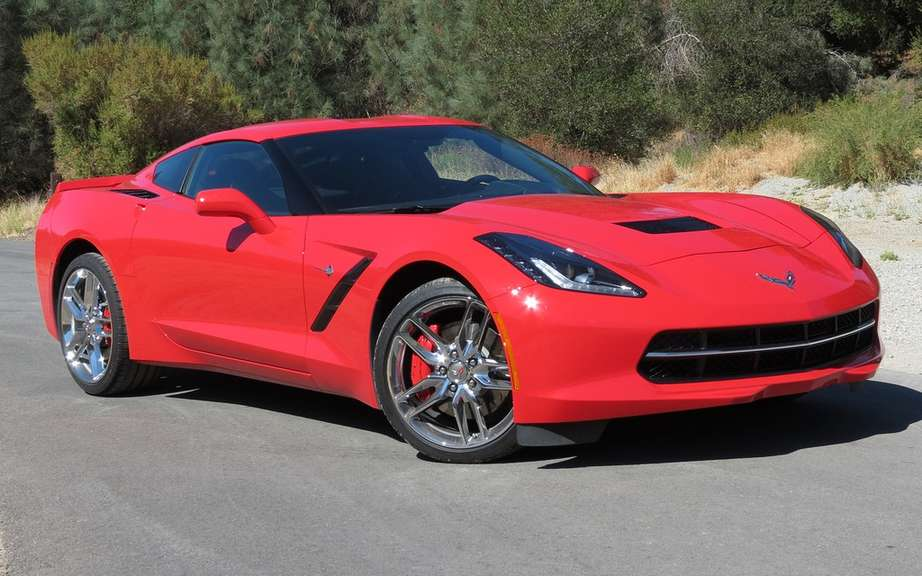 Chevrolet Corvette Stingray 2014 offered a starting price of $ 52,745