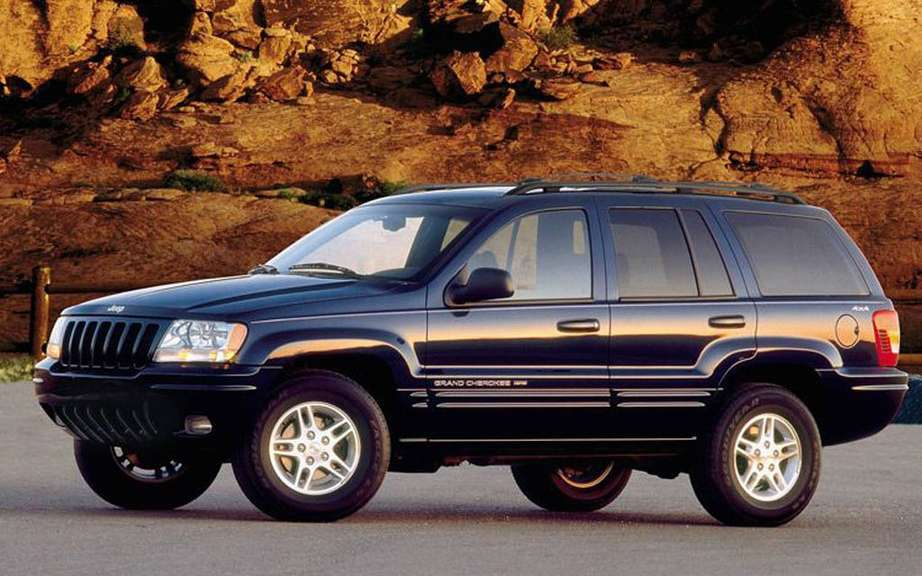 Chrysler recalls over 842,000 vehicles around the world picture #1