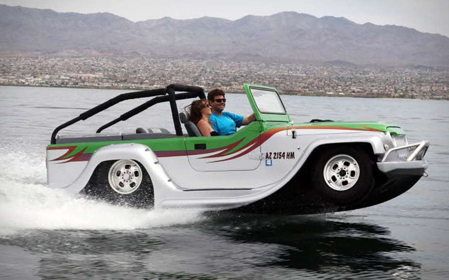 WaterCar Panther: amphibious car faster