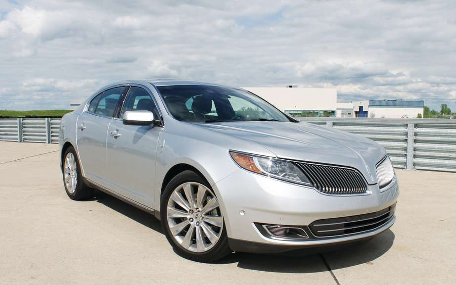Lincoln will offer four new models by 2016 picture #3