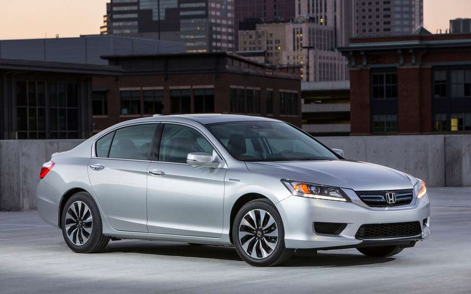 Honda presents its Accord sedan 2014 hybrid drive