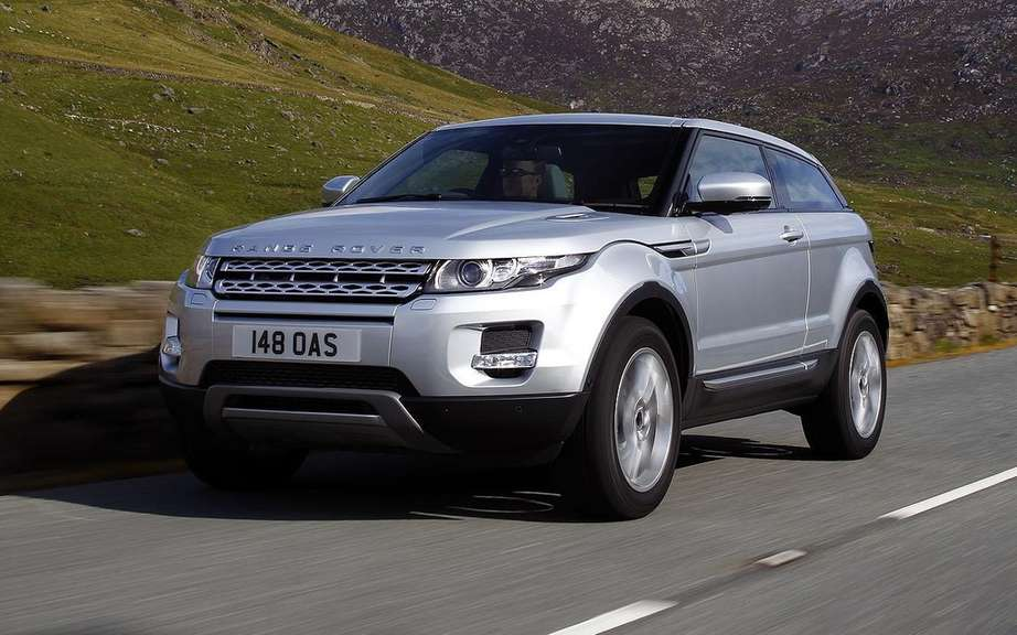 land rover announces canadian prices evoque model. Black Bedroom Furniture Sets. Home Design Ideas