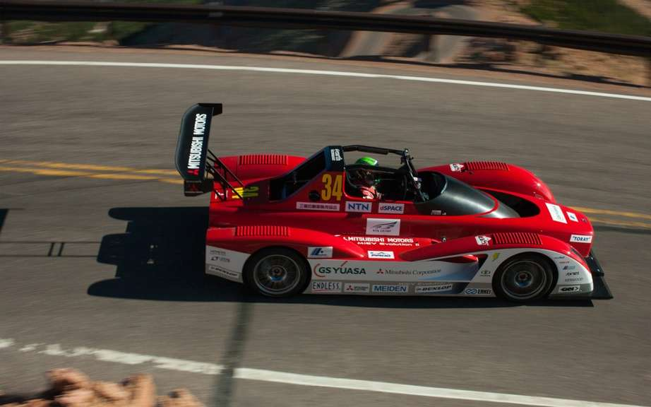 Mitsubishi vehicles and safety at Pikes Peak picture #11
