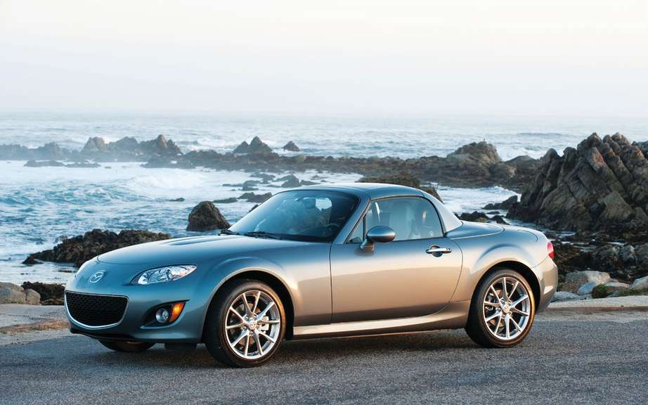 Mazda MX-5 is a record parade picture #2